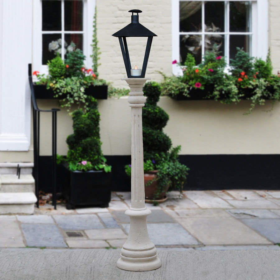 Lamp Post for Caroler Set