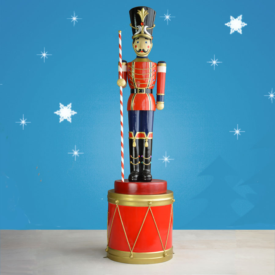Christmas Toy Soldiers : Ft toy soldier statue on drum with striped baton