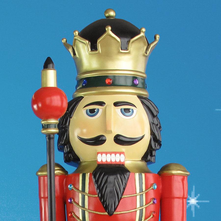 nutcracker statue