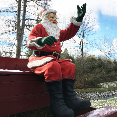 Sitting Santa Outdoor